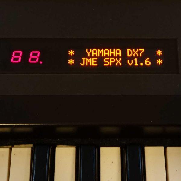 OLED Display Yamaha DX7 Rot